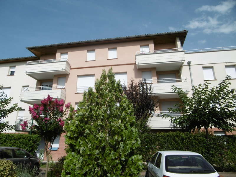 Appartement t1 avec terrasse et jardin montauban 26 m for Agence jardin immobilier vallangoujard